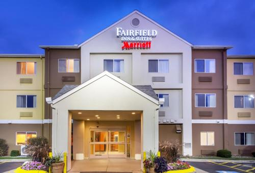 Fairfield Inn Suites Canton Hotel