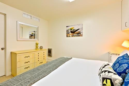 Situated In San Go 3 7 Km From Seaworld And 5 University Of 4079 Mission Bay Scene Four Bedroom Holiday Home Offers Free