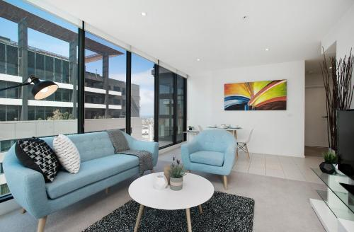 COMPLETE HOST Haig St Apartments