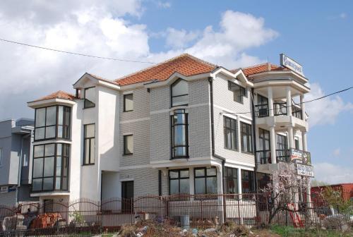 M Garni Hotel front view