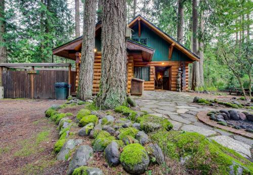 Zoeu0027s Log Cabin, Welches,Mount Hood, Oregon | RentByOwner.com   Rentals And  Resorts