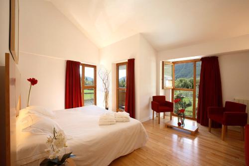 Superior Double Room Tierra de Biescas 1
