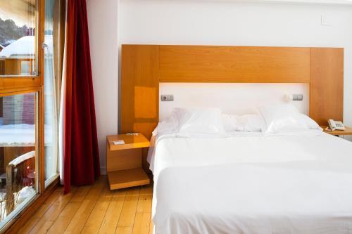 Double or Twin Room Tierra de Biescas 4