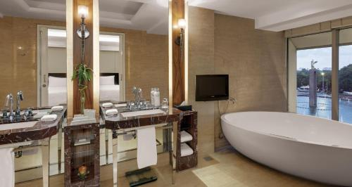 Grand Deluxe Double or Twin Room Ramadan Indonesian ID/KITAS/KIMS Only