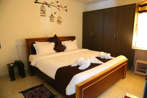 Homey Suites Vizag Beach