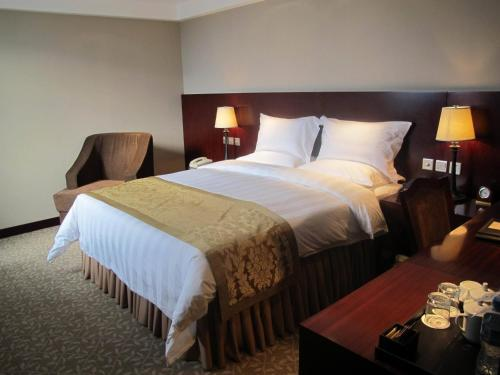 Soluxe YiShui Grand Hotel