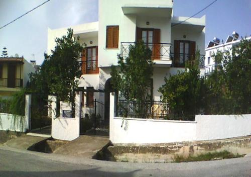 Karagiozos Studios & Apartments