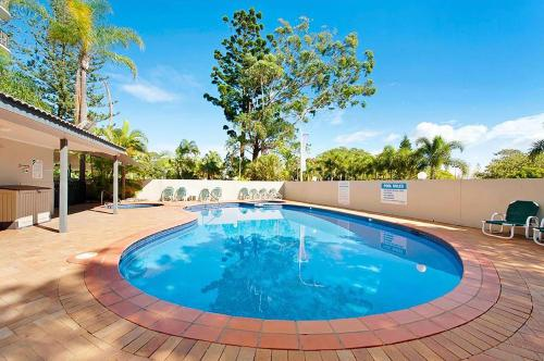 Holiday Resort Apartments in Surfers Paradise with City View