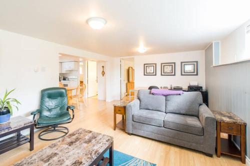 2 Bedroom Suite in Central Lonsdale