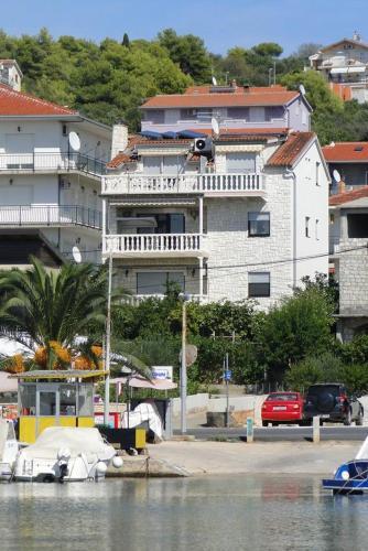 Apartment Okrug Gornji 11374a