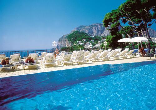 Capri / Kampanien / Italien / Flugaufnahme | RM-Video 859 ... |Capri Italy Golf