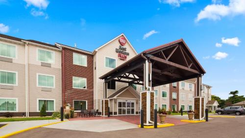 BEST WESTERN Plus Menomonie Inn & Suites