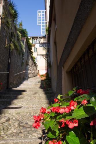 Salita Grandi, Bellagio, 22021, Lake Como, Italy.