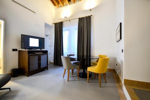 Suite Junior con terraza Legado Alcazar 10
