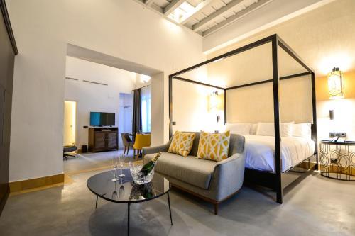 Suite Junior con terraza Legado Alcazar 8
