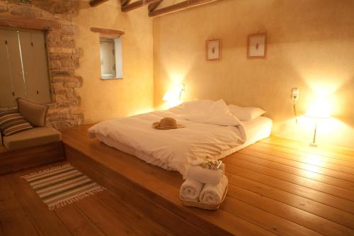 Photo of Astra Inn Hotel Bed and Breakfast Accommodation in Pápigkon N/A