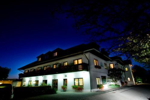 Hotel Weiss S