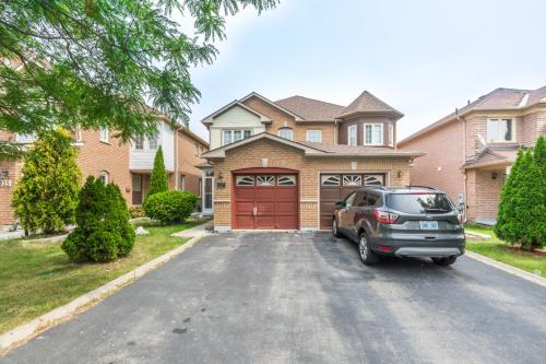 Amazing 3 Bedroom Luxury Home, Brampton