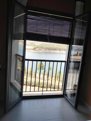 Double Room with Lake View Hotel Balneario de Zújar 2