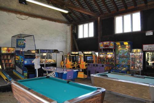 Robin Hill Camping Resort Premium Cottage 1