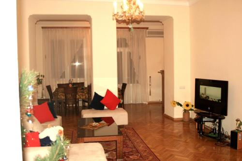 Apartment on Mesrop Mashtots Ave, Yerevan