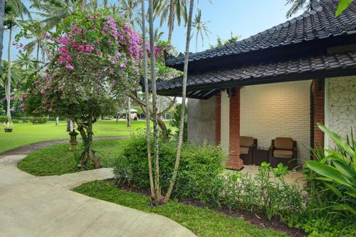 Special Offer - Interconnecting Two Garden Bungalow
