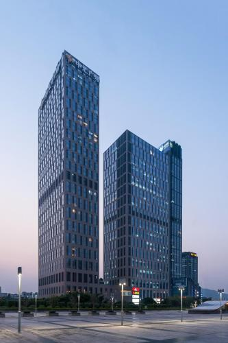 Guangzhou Yicheng Poly Central Pivot apartment, Гуанчжоу