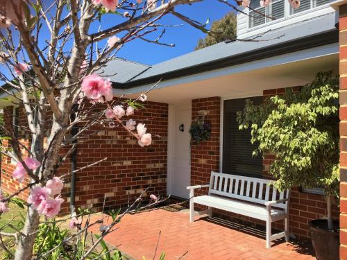Ladies Only Joondalup Bed & Breakfast