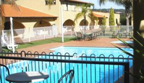 El Caballo Resort