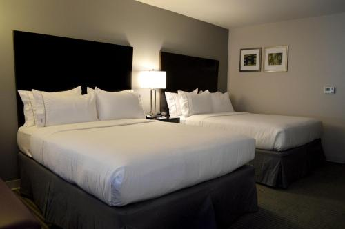 Holiday Inn Express & Suites Claremore