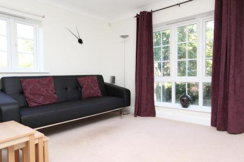 Photo of Discovery Court Apartment Self Catering Accommodation in Newbury Berkshire