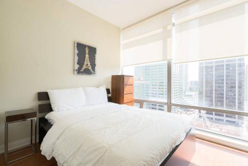 Yorkville Fantasy @ Yonge & Bloor (2BR, 2BT + Parking) Photo 9