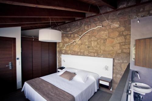 Superior Double or Twin Room Hotel Restaurante Masía la Torre 13