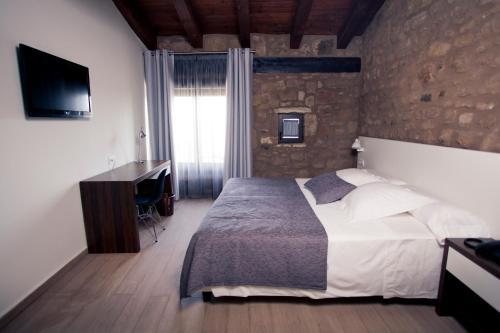 Superior Double or Twin Room Hotel Restaurante Masía la Torre 5