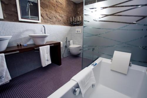 Superior Double or Twin Room Hotel Restaurante Masía la Torre 9