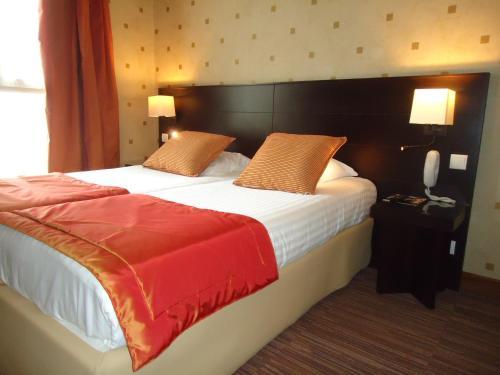 H tel de l 39 exposition tour eiffel h tel 42 bis rue du for Hotels 75015