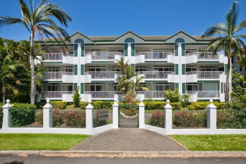 Costa Royale Beachfront Apartments