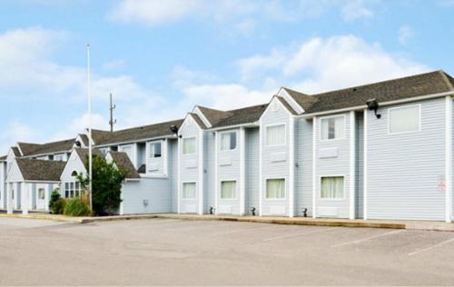 Americas Best Value Inn and Suites Ada