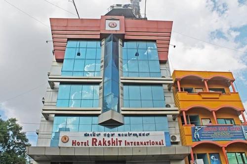 Hotel Rakshit International