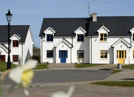 Photo of Sean Ogs Holiday Homes Hotel Bed and Breakfast Accommodation in Kilmuckridge Wexford