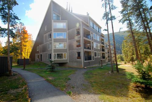 The Pines Condominiums - Keystone