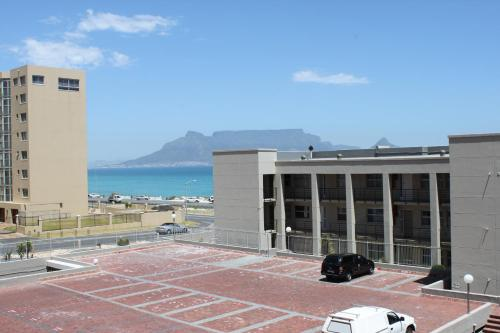 The Waves 101, Blouberg