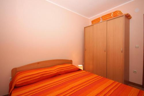 Holiday Home Tisno 5094