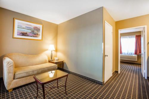 Quality Inn & Suites Westminster - Seal Beach Westminster
