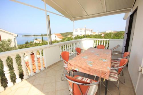 Apartment Zdrelac 8298a