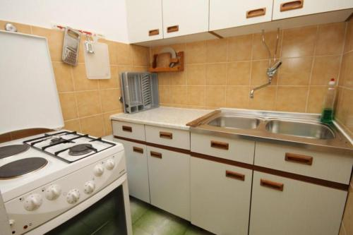 Apartment Komiza 8866a