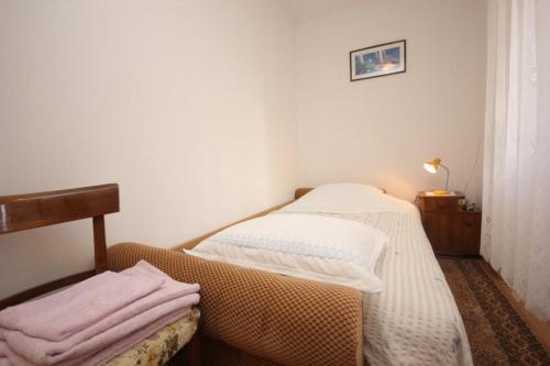 Apartment Vis 2477a