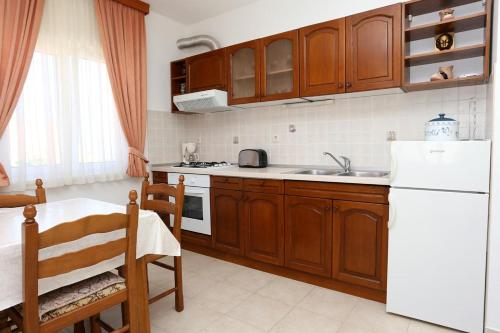 Apartment Lumbarda 4352b