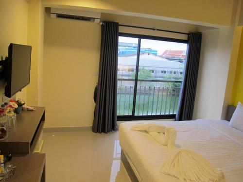 Standard Double Room - One Way Transfer