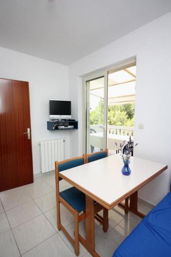 Apartment Jezera 5079a